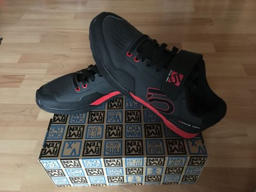 ElementStore | Five ten kestrel black red