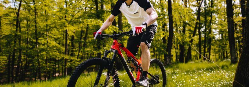 Leto je tu ! Čo si obliecť na bike ?